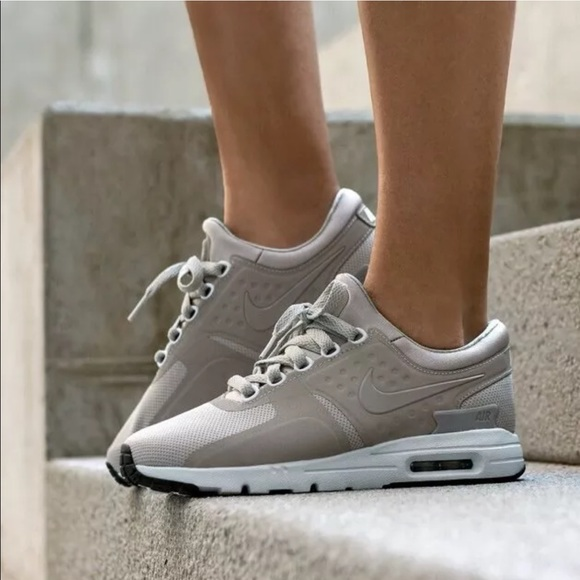 Women's Nike Air Max Zero Cobblestone Sneakers NWT